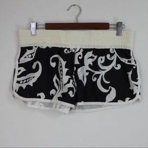 L414 Roxy Swim Boardshorts Black White Print 9